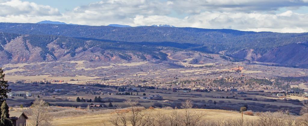 rural colorado foothills